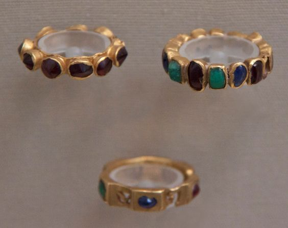 Roman stone-set rings, 3rd century CE