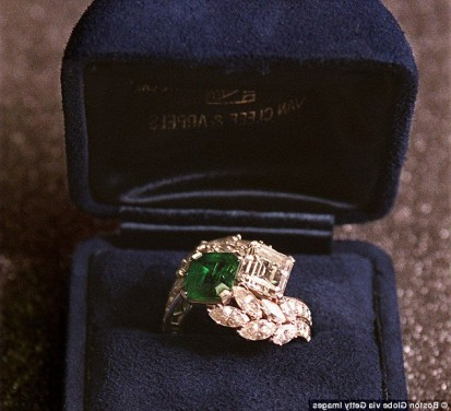 jackie o wedding ring Luxury World s most iconic engagement rings from Jackie Kennedy to Grace